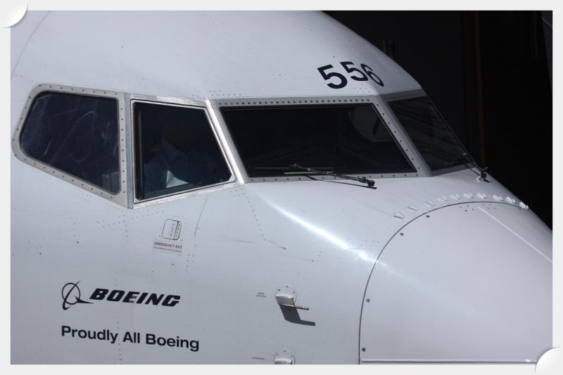 Airplane_FactsBoeing_Windshield
