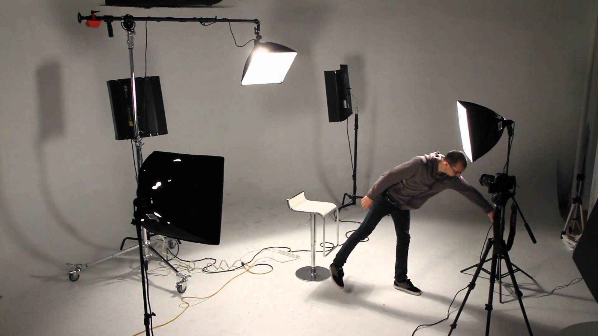 How to Ensure Proper Lighting for YouTube Videos